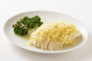蒸し鶏のネギソース和え Sサイズ:600円 Mサイズ:1200円