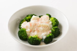 ホタテ貝のカニ肉あんかけ Sサイズ:1400円 Mサイズ:2800円