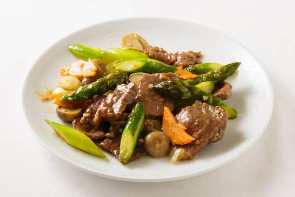 牛肉とアスパラの炒め Sサイズ:1150円 Mサイズ:2500円